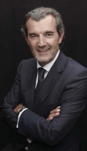 Age 51 ans Formation Autodidacte Carrière Après des débuts de maître nageur sauveteur en 1984, il démarre sa carrière immobilière en 1987 en tant que négociateur dans l'agence Cerim Melun dirigé par Michel Trollé, futur fondateur du réseau Century 21 France. Depuis 2009, il est président de Century 21 France.