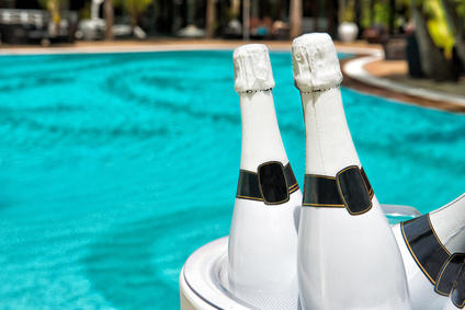 photo : Champagner am Pool