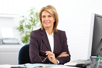 photo : Beautiful mature business woman.