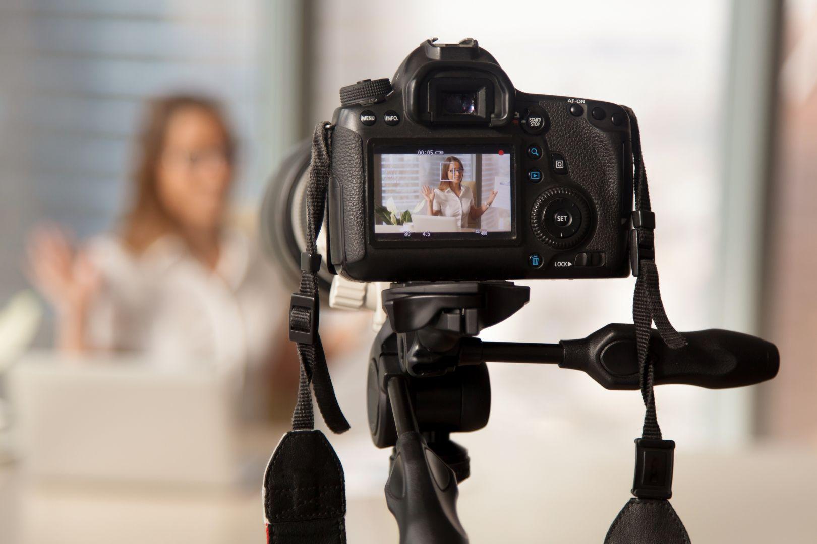«Agents immobiliers : faites votre rentrée en vidéo !», Karine Mahieux Social Media Manager – Coach en stratégies numériques