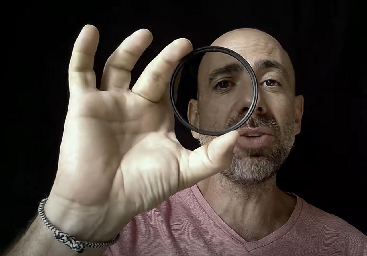🎬 Olivier Melgrani vous explique comment éviter les reflets avec un Filtre Polarisant