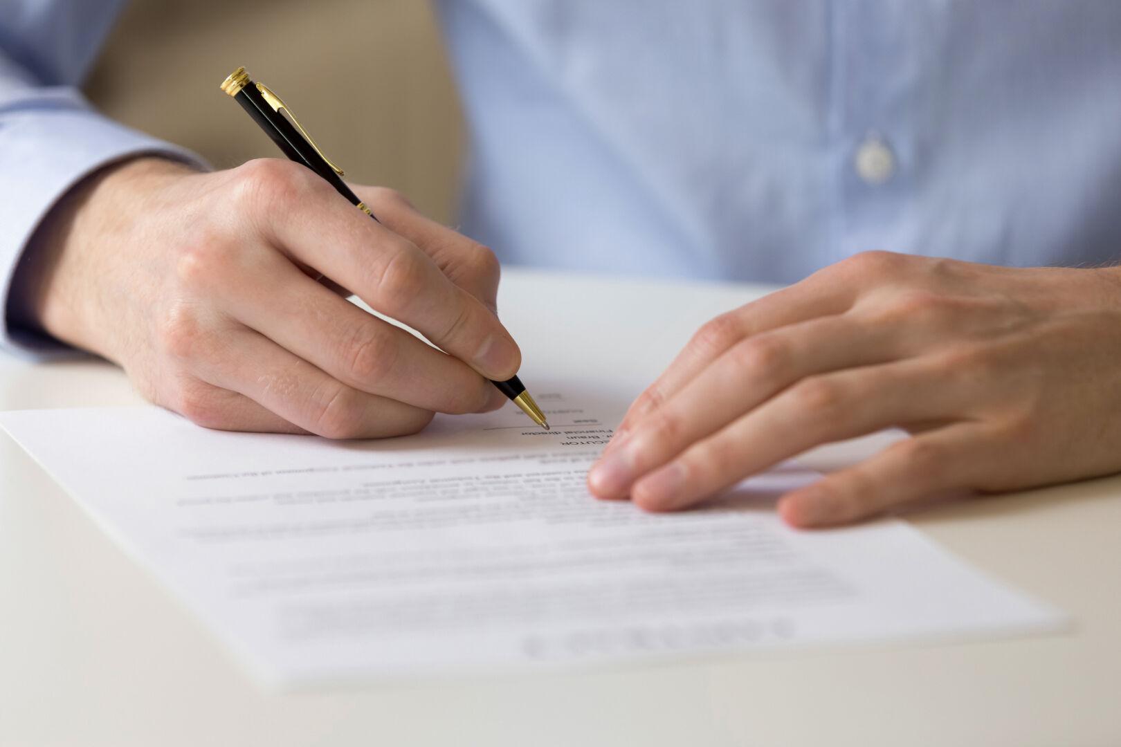 «Nullité du mandat pour défaut de mention du nom et de la qualité de l'agent commercial», Caroline Tomasi-Serre, avocate au Barreau de Paris