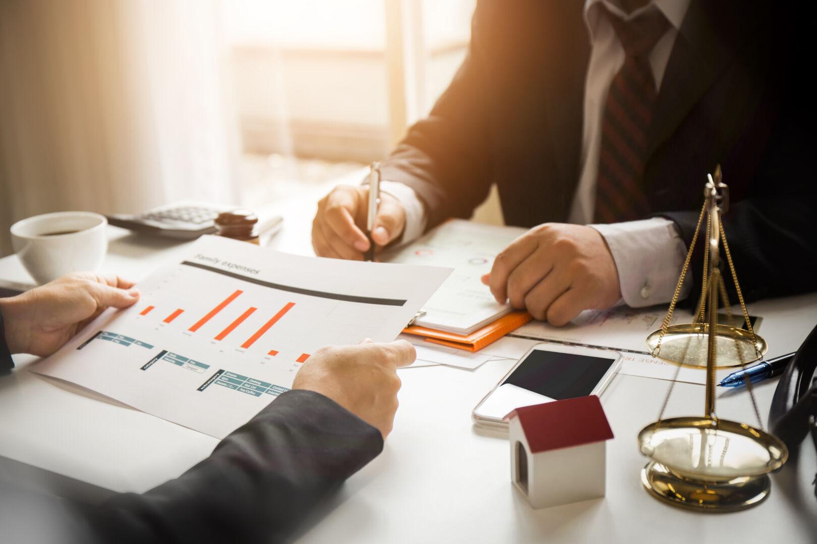 Zoom sur le métier d'expert immobilier, un travail exigeant de réflexion et d'objectivité pour déterminer la valeur réelle des biens