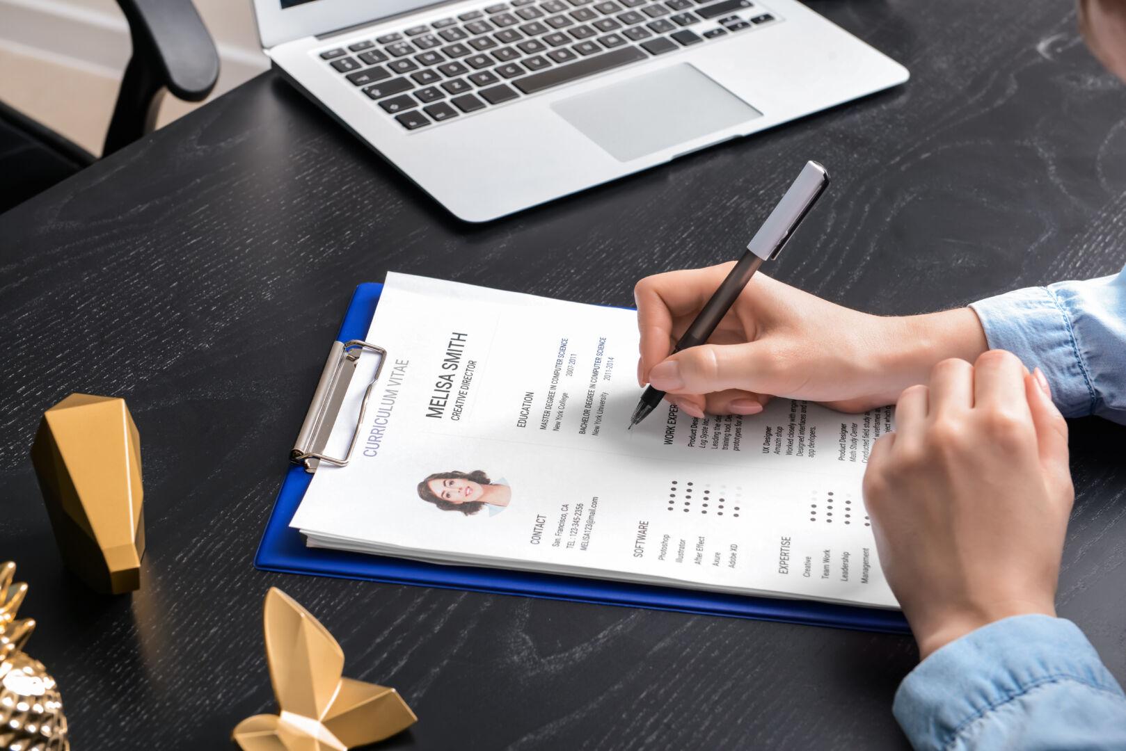 Comment valoriser votre CV ? Les conseils de Hugo Bolzinger, fondateur du Recruteur Immobilier